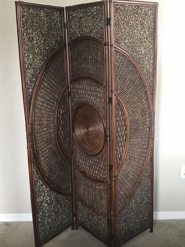 Pier One ScreenRoom Divider for Sale in Tampa FL OfferUp