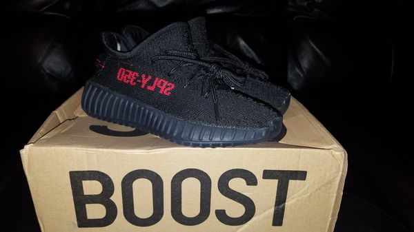 f056ba5727cd6 Adidas Yeezy Boost 350 V2 Youth Kids Size 1 for Sale in Miami ...