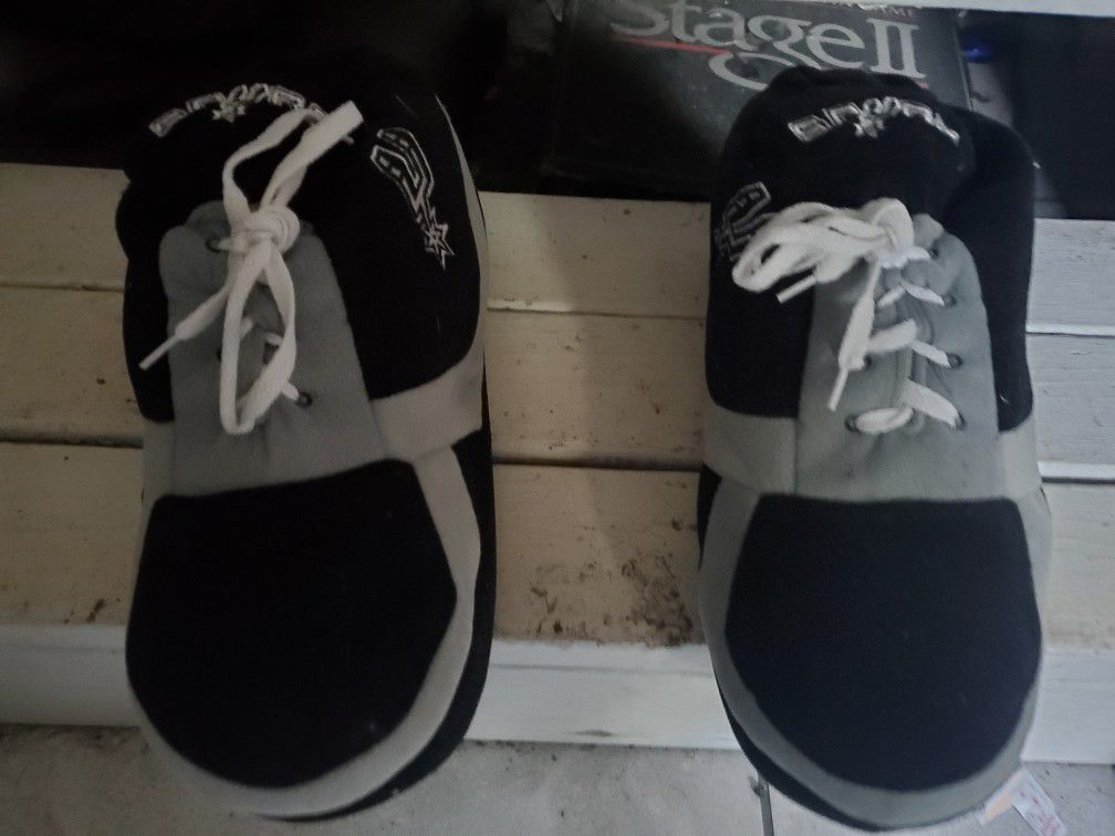 New Spurs House shoes