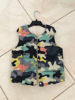 Boys warm vest size 3-5T Thumbnail