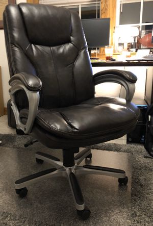 Photo SERTA Big and Tall executive office chair faux leather BRAND NEW