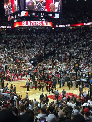 Blazers vs lakers for Sale in Oregon City, OR