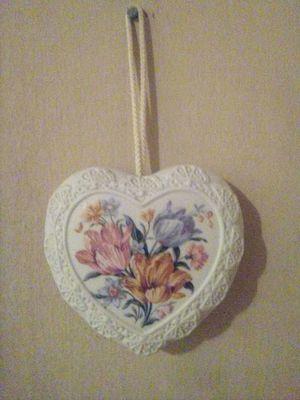 Photo Vintage Avon Potpourri heart