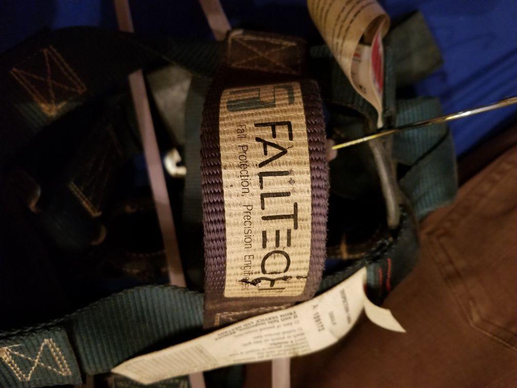 Fall Tech Foreman Harnesses