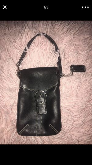 NEW LEATHER COACH cell phone pouch for Sale in Arlington, VA