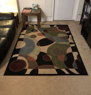 Area rug, multi-colored, geometric for Sale in undefined