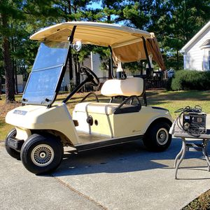 Beautiful Like New 2009 Club Cart Golf Cart Electric 48v DS Model for Sale in Cary, NC