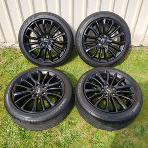 Photo Mini Cooper Clubman OEM 17 inch wheels and tires