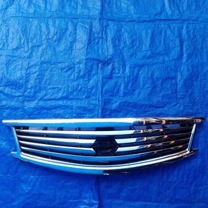 2008-2015 G37 Q40 G25 FRONT UPPER GRILL for Sale in Fort Lauderdale, FL