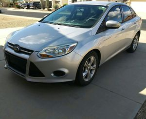 Photo 2013 Ford Focus SE Sedan (low mileage 61,300k). Deer vly 67th ave