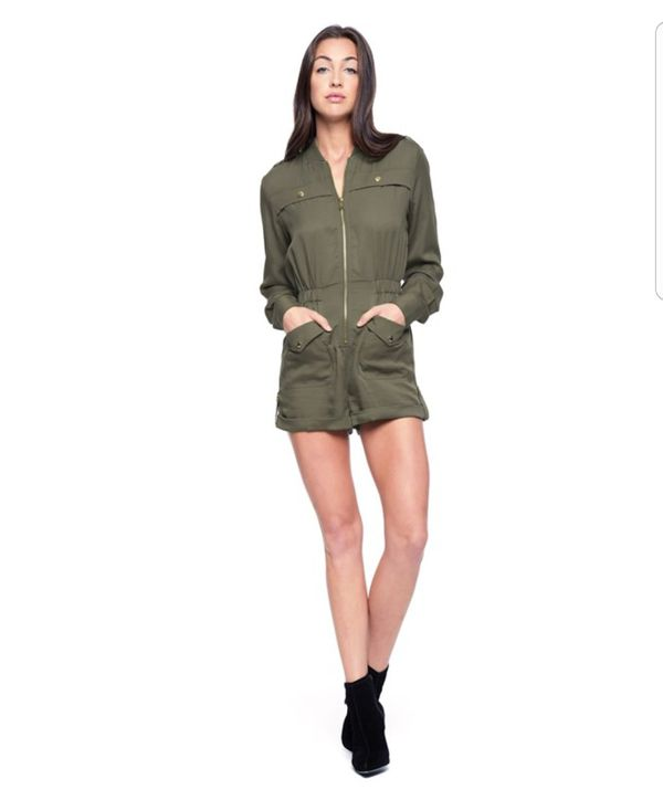 Women Juicy Couture Stain romper size Small for Sale in San Jose 737fdb02dc
