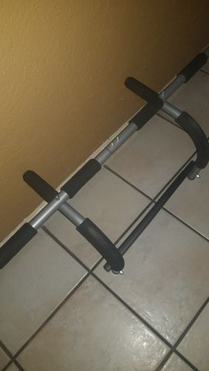 Pull up bar for Sale in Tucson, AZ