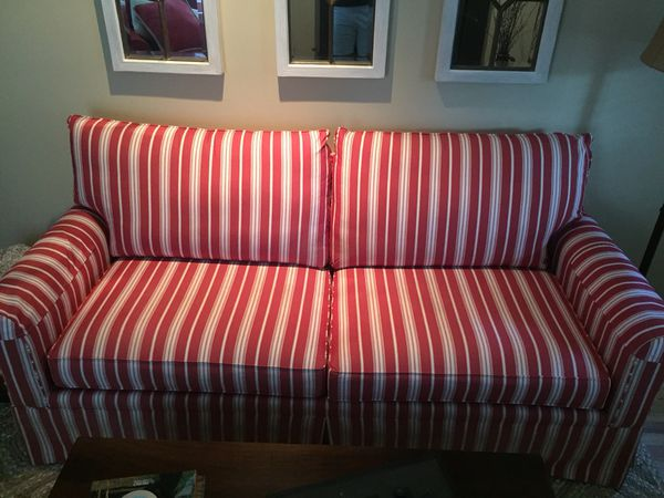 Red and White Striped Couch for Sale in Atlanta, GA - OfferUp