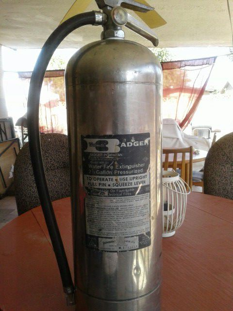 Badger Automatic 2 5 Gallon Pressurized Water Fire Extinguisher for Sale in  Phoenix, AZ - OfferUp