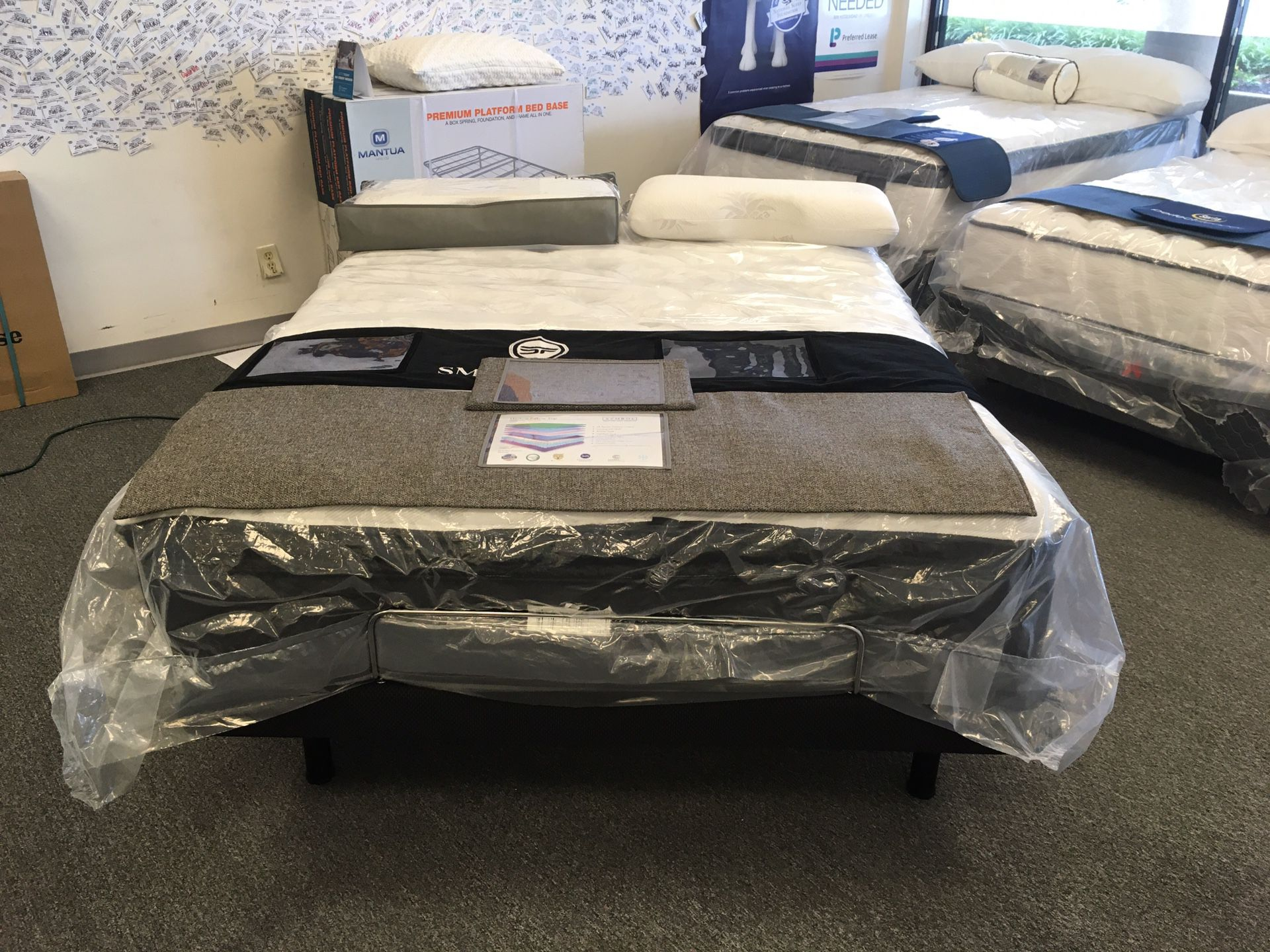 Brand new quality 15in Harlow pillow top!