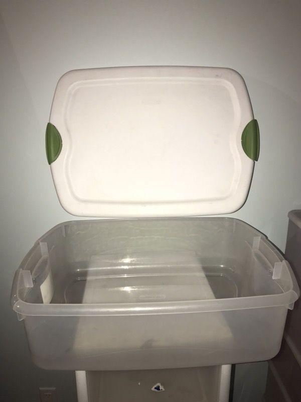Large Sterilite lockable storage bin container for Sale in Westport