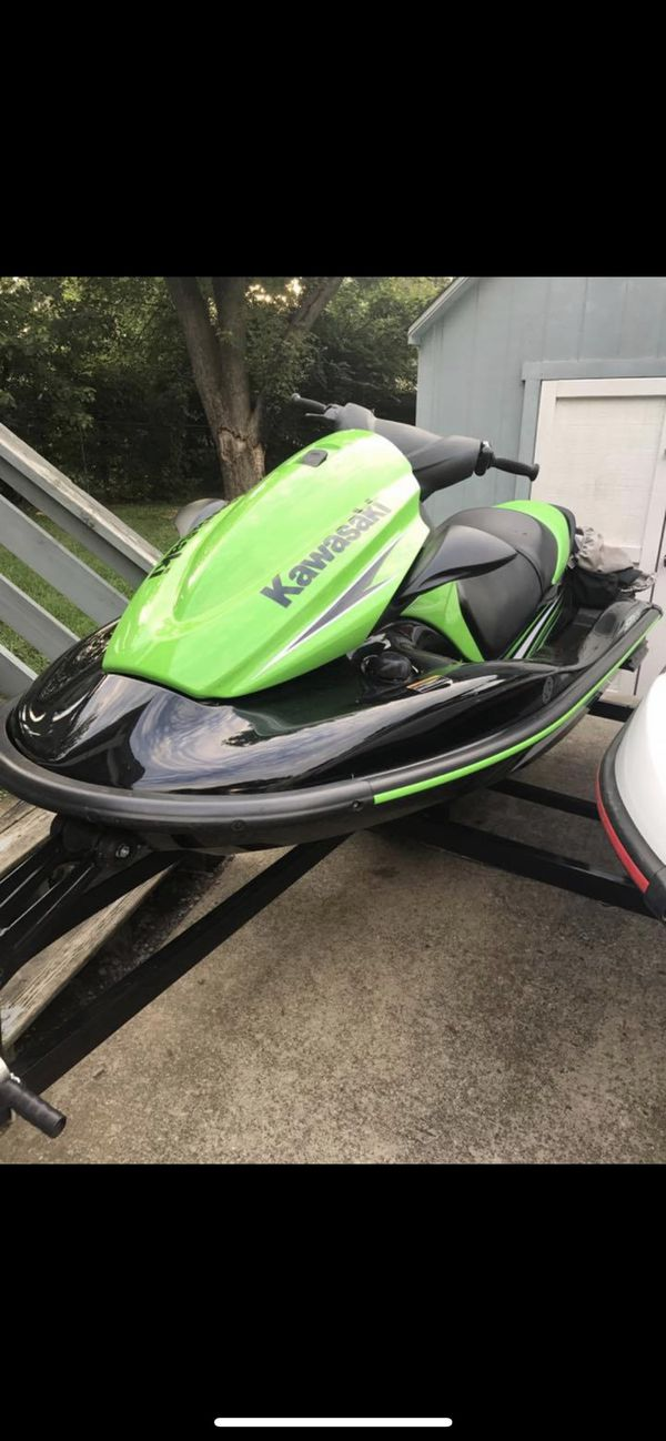2016 kawasaki and yamaha jet skis with less than 25 hours on both!!! professionally serviced 2-3 a y