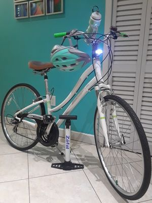 Photo 28 GIANT CYPRESS hybrid comfort ladies bike $ 240.00 excellent condition.