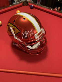 Kareem Hunt Autographed Chrome Full Size Helmet Thumbnail