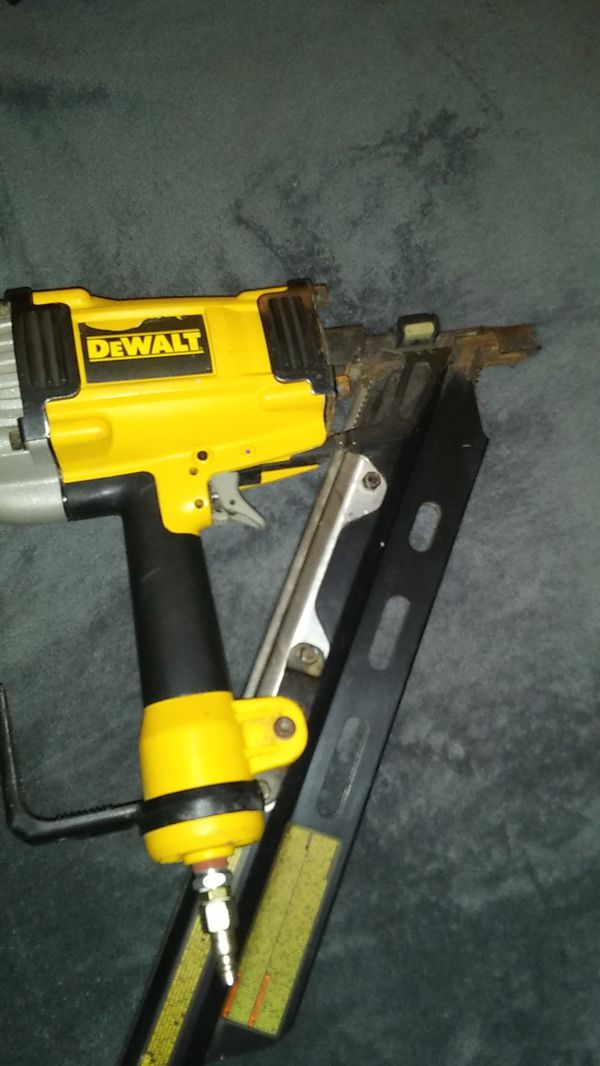 Used DeWalt D51825 Clipped Head Nailer! This gun is in working order ...