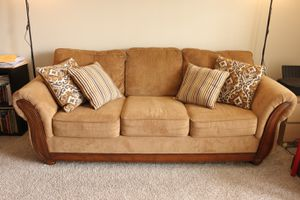 Photo Rooms to go Sofa and Loveseat with Cushions - Bronze