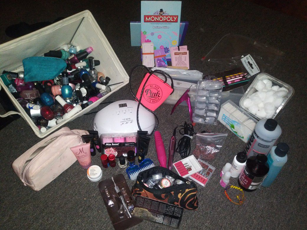 Nail Salon Kit with all you need