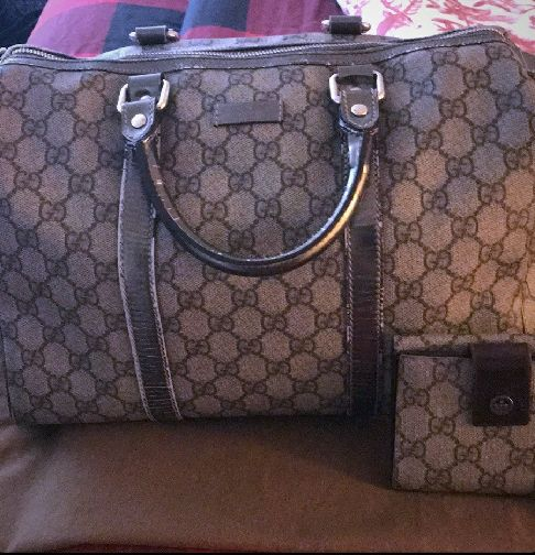 8aa4dae89c1 Authentic Gucci Boston bag supreme with wallet for Sale in San ...