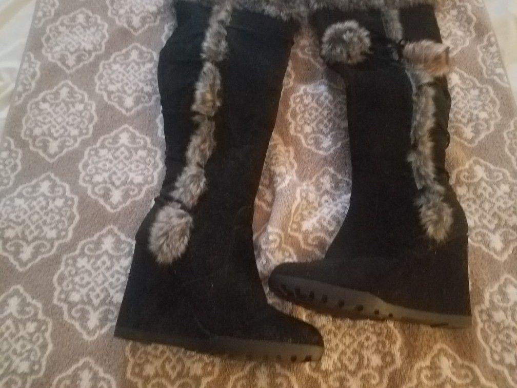 Causal knee high suede boots
