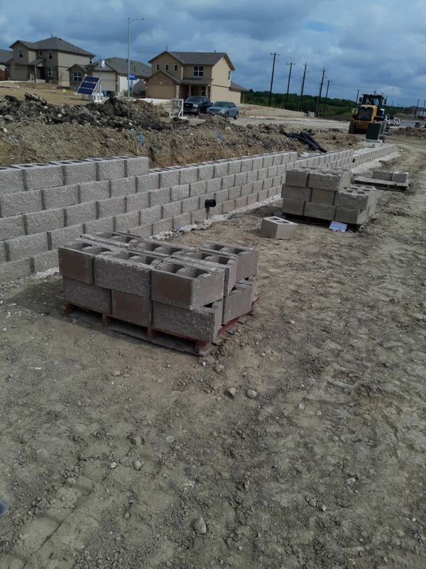 Wall Retain Blocks 150 One Pallet For Sale In San