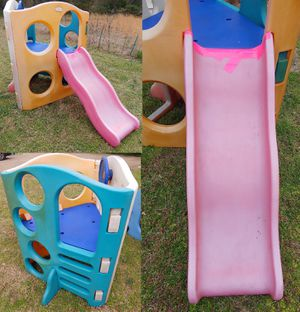 Photo Little Tikes Adventures Wave Outdoor Climber Slide