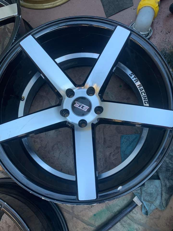 """4 rims20"""" stagers 5x114.3"""