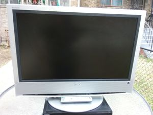 Sony 32 inch LCD TV with remote control for Sale in Washington, DC
