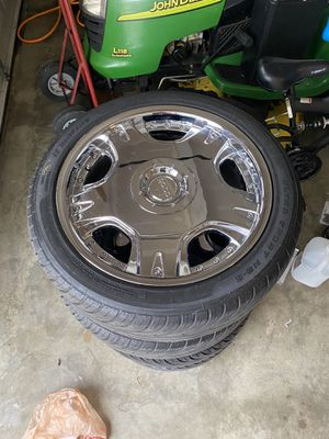 Photo 18 inch Dolce rims and tires Universal 5 lugs