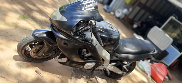 2004 yamaha yzf600 $1600obo willing to trade for a decent van or suv