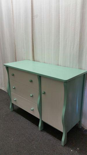 Dresser for Sale in Palmyra, VA
