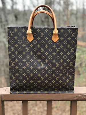 f08e568fed Authentic Louis Vuitton monogram Sac Plac for Sale in Atlanta, GA