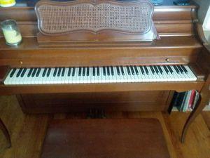 Vintage Baldwin Upright piano for Sale in Lynchburg, VA