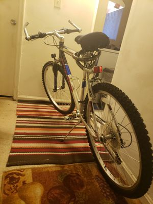Mountain bike for Sale in Falls Church, VA