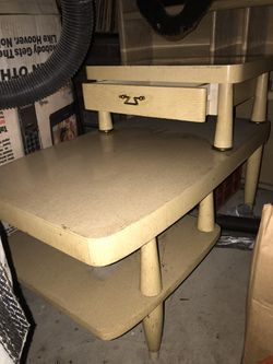 Mid century modern End table and 3 mid century modern lamps ... all 4 pieces for 1 price