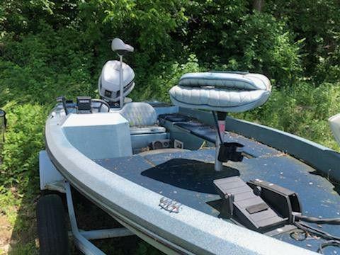 Photo Ranger Boat, Dodge Durango