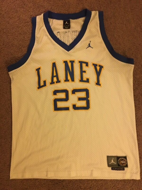 100% authentic 2c186 def5e MICHAEL JORDAN LANEY JERSEY XL for Sale in Newark, CA - OfferUp