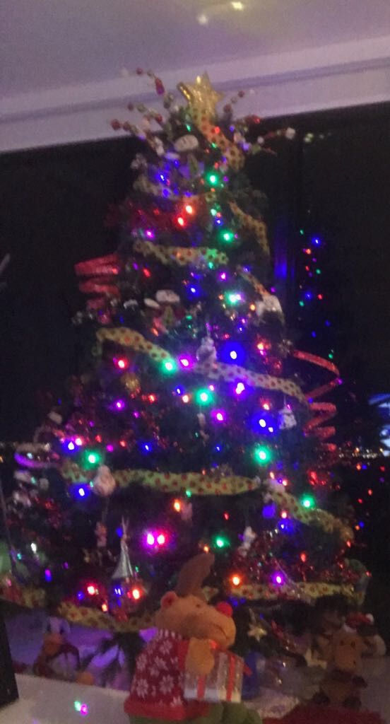 Christmas tree with decorations for Sale in Miami, FL - OfferUp