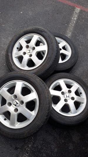 Photo Honda rims and tires