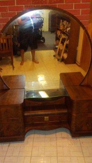 Vintage Vanity/5 Drawer Dresser for Sale in Manassas, VA