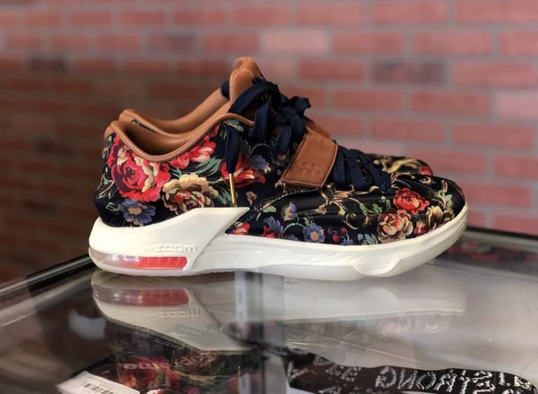 online retailer 53904 51b68 Nike KD 7 Floral Used for Sale in Channahon, IL - OfferUp