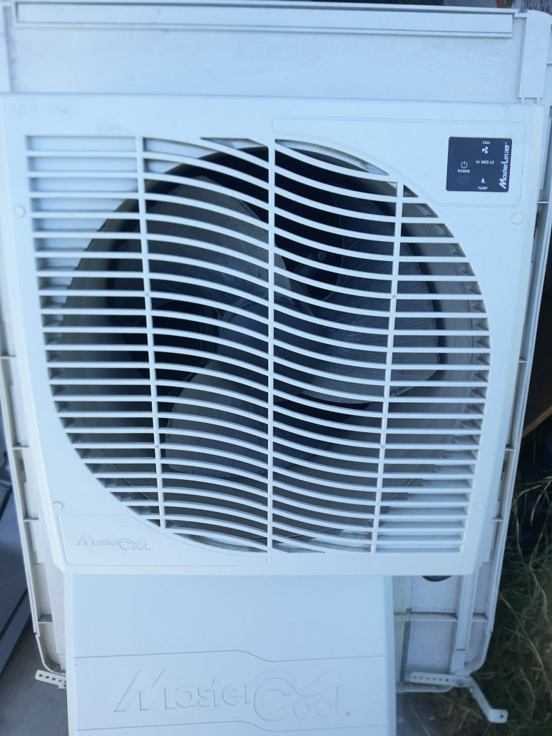 Photo Mastercool Slimline Swamp Cooler Works Great And Great Energy Saver