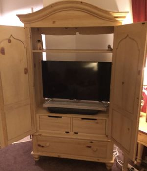 Ethan Allen Armoire for Sale in Baltimore, MD