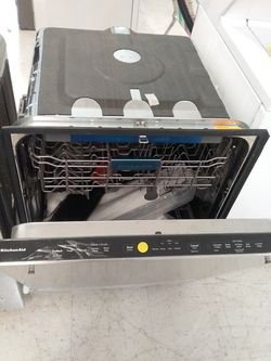 Kitchenaid dishwashers stainless steel new scratch and dents good condition 6 months warranty Thumbnail