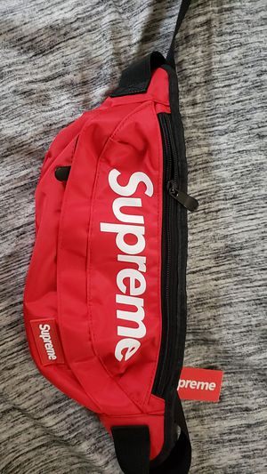 New and Used Supreme fanny pack for Sale in Kent, OH - OfferUp