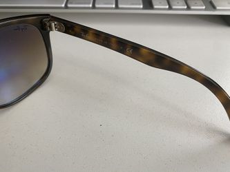 Ray-Ban Sunglasses RB4147 Thumbnail